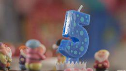 jarig taart wordt 5 jaar