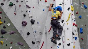 klimmen klimhal feestje jongens omhoog