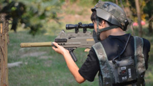 laser game buiten beschutting jongens schieten