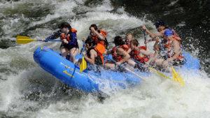 rafting jongens meiden stoer wild water